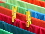XL-Karton oder Tüte?: Was Colorwaschmittel taugen
