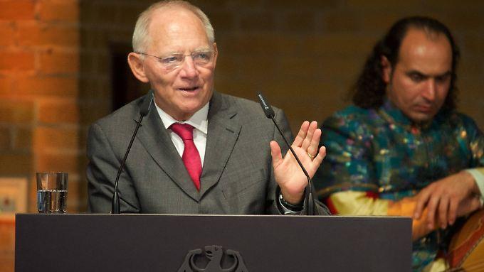 """Wolfgang Schäuble warnt vor mangelndem Respekt - auch von Menschen """"mit ziemlich wenig Migrationshintergrunf""""."""