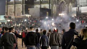 Sicherheitskonzept für Silvesterabend: Gutachten belastet Kölner Polizei