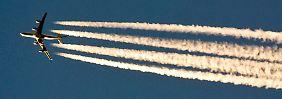 Jährlich 22 Fälle in Deutschland: Flugzeuge lassen tonnenweise Kerosin ab