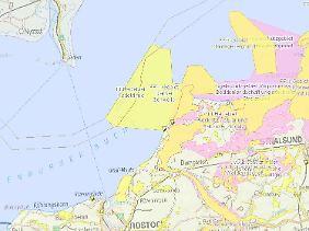 Schmale Rinne am Grund der Ostsee: Mehrere Riffe aus Blockhalden ragen am Rand der Schifffahrtsstraße ins Fahrwasser.