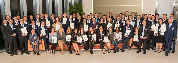 Glückliche Gewinner bei der Preisverleihung in der Berliner Bertelsmann-Repräsentanz.