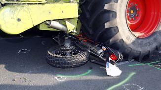 Schwere Maschinen auf der Fahrbahn: Erntezeit ist Unfallzeit