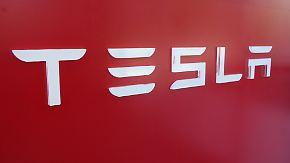 Umstrittener Schritt: Jeder neue Tesla erhält Selbstfahr-Technik