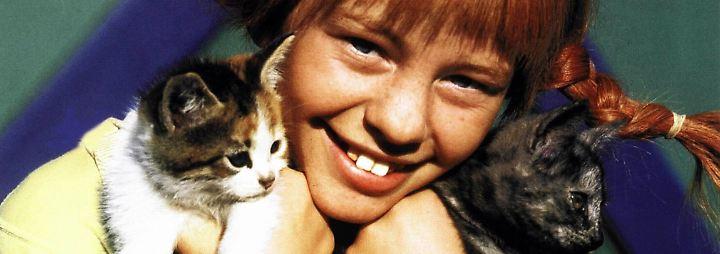 Zum Glück hat Pippi Langstrumpf einen Goldschatz, um angemessen für Pferd, Affe, Vogel und Katzen zu sorgen.