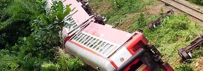 Schweres Zugunglück in Kamerun: Helfer bergen immer mehr Opfer
