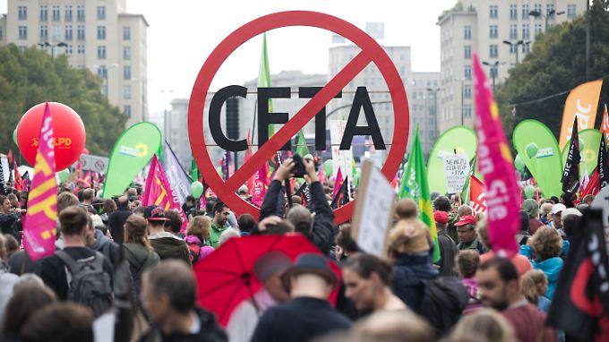Ceta-Kritiker befürchten durch Ceta Nachteile für europäische Standards - ihre Hoffnungen liegen nun auf der Wallonie.