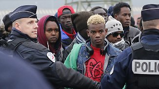 """Räumung des """"Dschungels"""" von Calais: Menschenrechtler warnen vor Verschwinden Minderjähriger"""