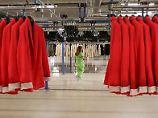 Mode von Zara und Co aus der Türkei: BBC: Flüchtlingskinder arbeiten in Fabriken
