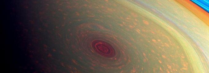 Die Sechseck-Struktur auf dem Saturn hat einen Durchmesser von mehr als 32.000 Kilometern.