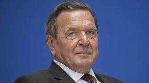 Rewe bleibt bei Beschwerde: Altkanzler Schröder soll Tengelmann-Streit schlichten