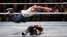 Fliegen hat Tim Wiese in seiner Wrestling-Ausbildung auch gelernt.