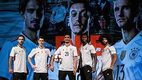 Die Neunziger lassen grüßen: DFB-Elf präsentiert ihr neues Trikot