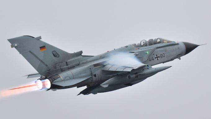 """Mehrere """"Tornado""""-Aufklärungsjets sind im Einsatz gegen den IS."""