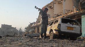 Autobombe explodiert in Masar-i-Scharif: Taliban greifen deutsches Konsulat an
