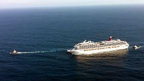 """""""Carnival Splendor"""" in Seenot: Luxus-Liner wird abgeschleppt"""
