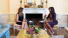 """""""Affe mit Stöckelschuhen"""": Trump-Fans beleidigen Michelle Obama"""
