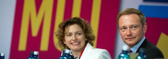 Wollen mit der FDP wieder in den Bundestag: Parteichef Lindner mit Generalsekretärin Beer.