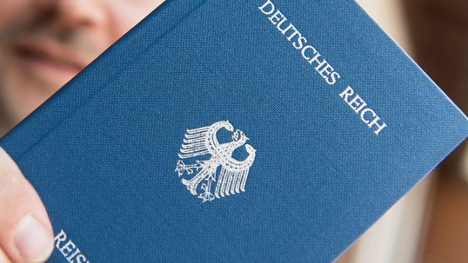 """""""Reichsbürger"""" erkennen die Bundesrepublik nicht an."""