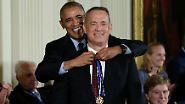 Freiheitsmedaille für Prominente: Barack Obama rührt zu Tränen
