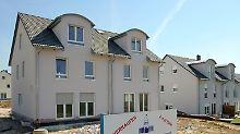 Nachbarn mit gemeinsamer Wand: Warum ein Doppelhaus bauen?