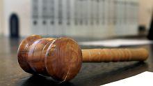Kick-Back-Zahlungen vor Gericht: Pflegebetrug führt zu Leistungskürzung