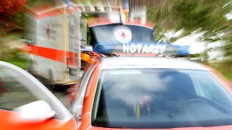 Polizei muss eskortieren: Rettungsdienstler immer öfter Opfer von Gewalt