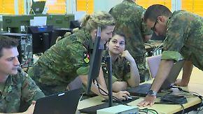 Nerds in Uniform: Cyber-Soldaten schützen Deutschland vor Angriffen im Netz