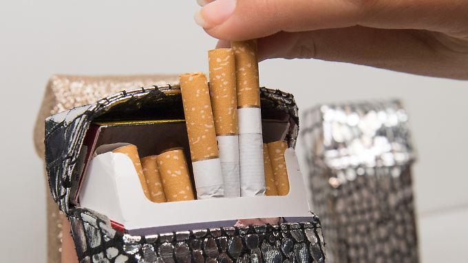 Darüber wer kann die Gedichte zu trinken nicht werfen und, zu rauchen