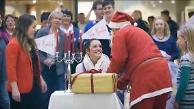 Flashmob der Nächstenliebe in Bremen: Hilfsbereite Passanten werden rührend belohnt