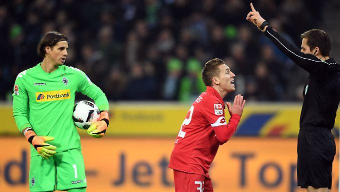 Fassungslos: Pablo de Blasis, nachdem sein Ausgleichstor in der 88. Minute von Referee Robert Hartmann nicht anerkannt wurde.