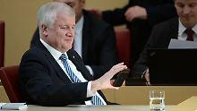 Ohne Obergrenze keine Koalition: Seehofer droht Merkel mit der Opposition