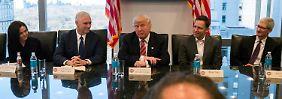 Wunsch an Apple-Chef: Trump umschmeichelt Silicon Valley