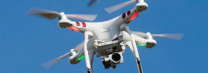Drohnen dürfen nicht höher als 100 Meter fliegen.