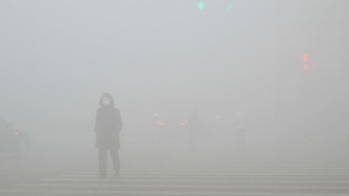 Wie Sie sehen, sehen Sie nichts: Starke Smogbelastung in Weifang (Provinz Shandong).