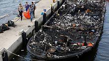 Das Schiffswrack wurde abgeschleppt und nun untersucht.