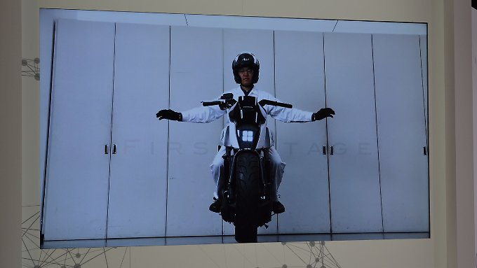 Freihändig auf einer Honda fahren kann in Zukunft vielleicht jeder.