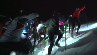 "Startschuss für ""Vertical Up"": Tour-Teilnehmer rennen gegen den Berg an"