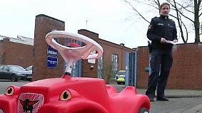 Erfolgreiche öffentliche Fahndung: Polizei überführt dreijährigen Bobbycar-Falschparker