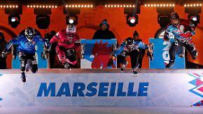 Auftakt zur neuen Crashed-Ice-WM-Serie: Ice-Skater jagen mit bis zu 80 km/h durch den Eiskanal
