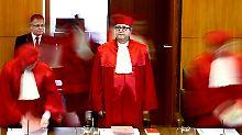 Interview mit Verfassungsrechtler: Ist das NPD-Urteil richtig?