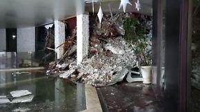Erste Bilder vom Unglücksort: Lawine begräbt Hotel in den Abruzzen, Retter stecken fest