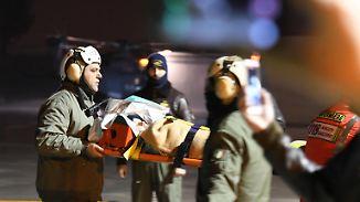 Rettungsarbeiten am Hotel Rigopiano: Helfer berichtet, wie Lawinenopfer überleben konnten