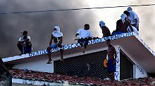 Mitglieder des Sindicato do Norte besetzen Mitte Januar ein Dach der Haftanstalt Alcaçuz.