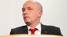 Korruptionsaffäre um Bauauftrag: Regensburger OB des Dienstes enthoben