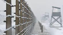 Im deutschen Konzentrationslager Auschwitz-Birkenau wurden etwa eine Million Juden ermordet, hinzu kamen 100.000 weitere Häftlinge.