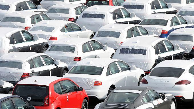 Deutscher Exportschlager: Autos, hier von Volkswagen. Im Ausland wächst jedoch die Kritik am deutschen Handelsüberschuss.