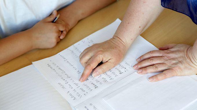 n-tv Ratgeber: Anbieter von Schüler-Nachhilfe unter der Lupe