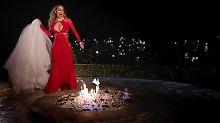 Der Moment bevor 250.000 Dollar in Flammen aufgehen: Mariah Carey in ihrem neuen Video.