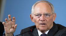 Bundesfinanzminister Wolfgang Schäuble will auch 2017 ohne zusätzliche Schulden auskommen.